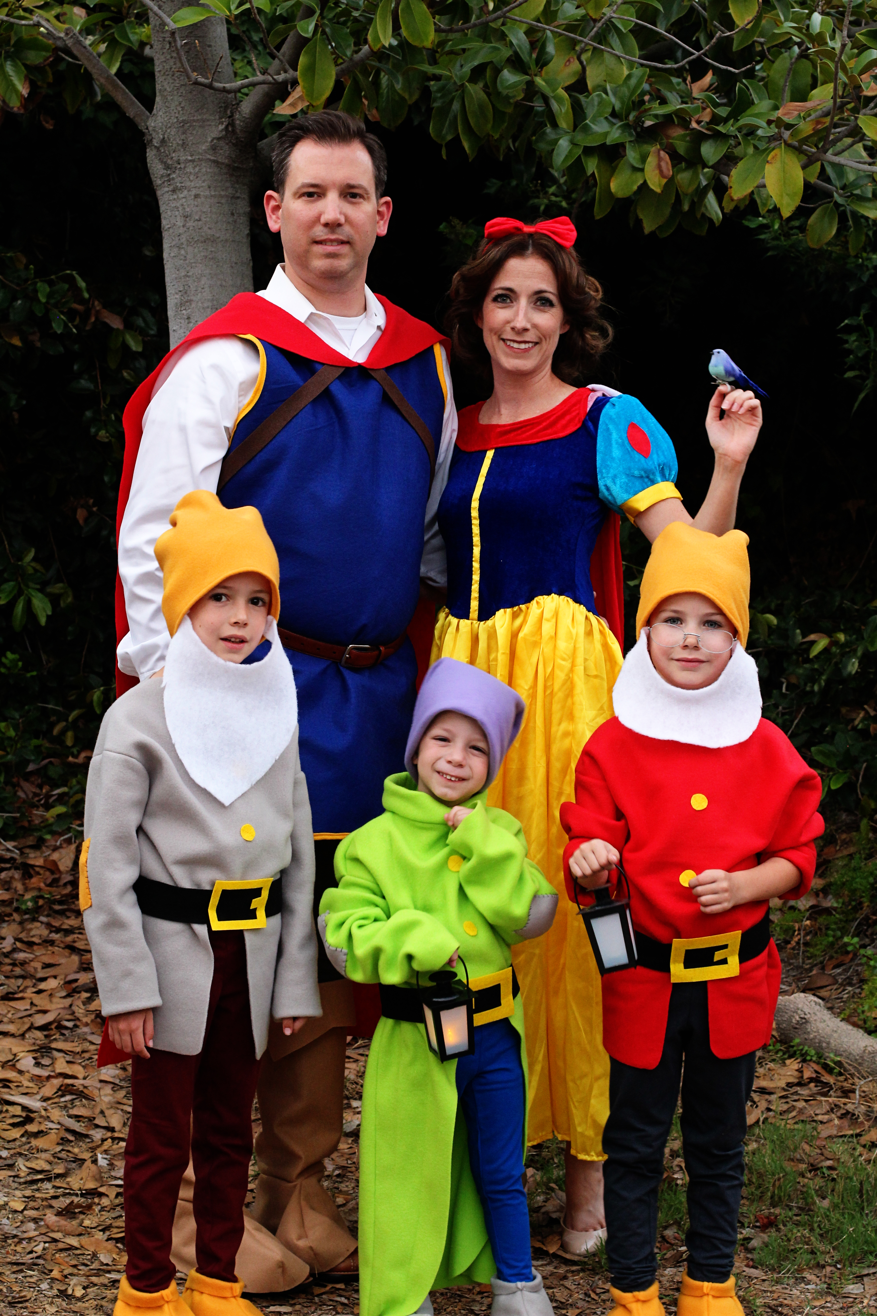 Diy Snow White And Seven Dwarfs Costumes Tutorials Suburbamom